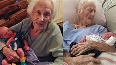 der 101 jährige 101 j 228 hrige italienerin bringt ihr 17 baby zur welt