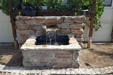 Wege Und Wasserstelle Garten Wasser Stein