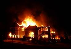 10 Hal Yang Harus Dilakukan Saat Terjadi Kebakaran Di