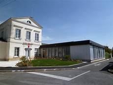 bourgueil rouleau architectes mairie la ville aux