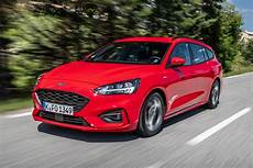New Ford Focus St Line Estate 2018 Review Auto Express