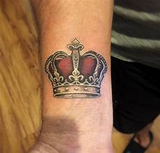 32 beautiful crown tattoos fit for royalty tattooblend