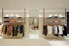 11 Desain Interior Toko Baju Butik Sederhana