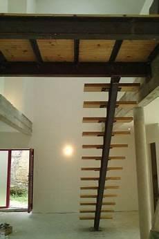 construire un escalier en bois interieur escalier et passerelle structure acier ipn escalier