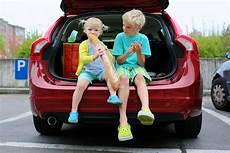 lange autofahrt mit baby so 252 berlebst du lange autofahrten mit kindern babyplaces
