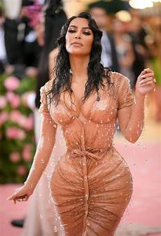 kim kardashian s trainer defends her against met gala body
