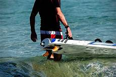 aquila electric surfboards hiconsumption