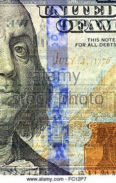 nahaufnahme der neuen amerikanischen hundert dollar