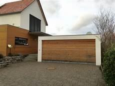 garage scheune garage garagentor holz garagentor architektur haus