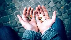 mittelschicht als illusion wann ist offiziell arm