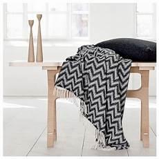 decke schwarz weiß alpaka decke in schwarz weiss zigzag alpaka decken