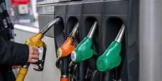 Maroc Le Plafonnement Des Prix Des Carburants Attend