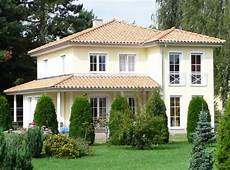 Haus Im Toskana Stil - flach abfallende walmd 228 cher sind typisch f 252 r mediterrane