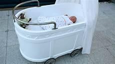 was ist besser wiege oder stubenwagen f 252 r das baby
