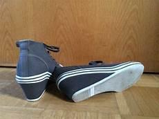 neuwertige graue graceland sneaker mit keilabsatz gr 39