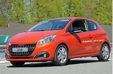 consommation 208 diesel 2 0 l 100 km consommation record pour la peugeot 208 diesel