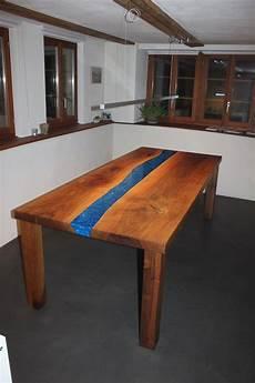 nussbaum tisch nussbaum tisch mit epoxidharz kaufen auf ricardo