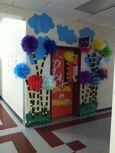 dr seuss classroom decorations bing images bulletin board ideas dr seuss bulletin board