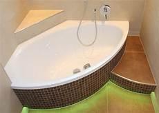 badewanne mit mosaik badezimmer mit mosaiken