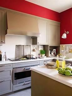 farbgestaltung k 252 che ideen wandfarbe rot landhausstil