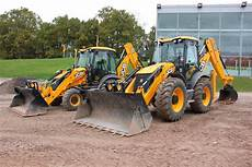 digger gets eco friendly with the new jcb 3cx 4cx