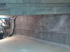 traitement humidité mur interieur imperm 233 abilisation des murs enterr 233 s d une maison neuve