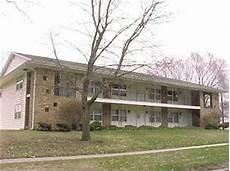Apartments Newton Iowa by 420 N 8th Ave E Newton Ia 50208 Rentals Newton Ia