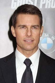 Tom Cruise Hairstyles 10 tom cruise haircuts that became iconic cool s hair