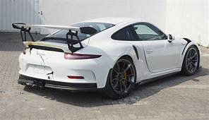 2016 Porsche 911 GT3 RS Has First Crash Shows Signs Of