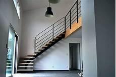 prix moyen escalier sur mesure escalier quart tournant structure en mactal marche bois