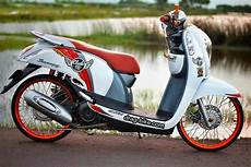 Scoopy 2018 Modif Simple by Modif Motor Scoopy Warna Hitam Putih Automotivegarage Org