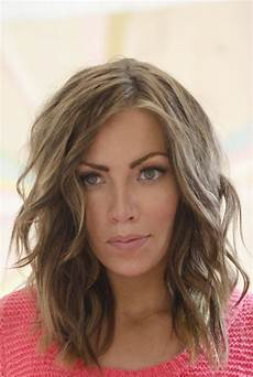 shoulder length layered hairstyles popular haircuts