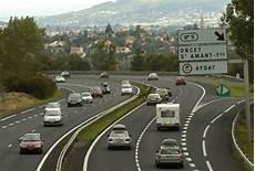 autoroute clermont ferrand en octobre des travaux sur l autoroute a75 entre issoire