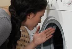 geruch in der waschmaschine waschmaschine riecht modrig coussin pour banquette