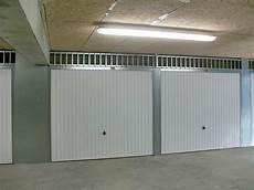 chatiere porte garage basculante porte de garage
