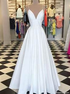 Simple A Line Spaghetti Straps Satin V Neck Lace Wedding Dresses Fc4178