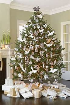 White Decorations For Tree by 10 Tree Decorating Ideas Nelson