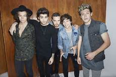 how do one direction s first week sales compare to other bands billboard