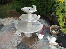 wassertrog aus beton selber machen springbrunnen aus beton selber machen so zaubern sie die pl 228 tschernde gartendeko in