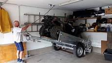 Garage Für Autoanhänger by Anh 228 Nger Und Auto Platzsparend In Garage