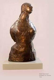 Gambar Patung Figuratif Dan Penjelasannya Gambar Patung