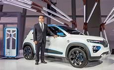 voitures électriques 2018 renault k ze le suv 233 lectrique d 233 voil 233 au mondial auto 2018