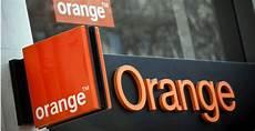 Le Conflit S Enlise Orange Ne Diffusera Plus Ses Pubs