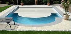 amenagement piscine coque quels am 233 nagements choisir pour sa piscine coque