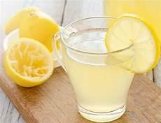 Warum Zitronenwasser Gesund Ist Zitronenwasser Gesund