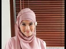 Cara Memakai Jilbab Ala Alyssa Soebandono Model Terbaru