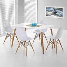 lot 4 chaises blanches design pieds bois stilys 339