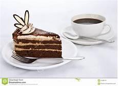 kuche bilder drei schichten schokoladen kuchen mit kaffee stockfoto