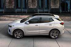 2020 buick encore gx is brand s all new suv in betweener news cars com
