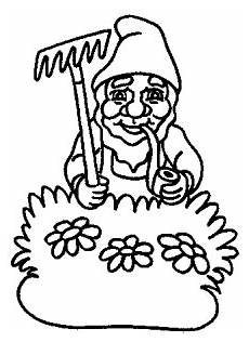 gartenzwerg mit pfeife ausmalbild malvorlage gartenzwerge